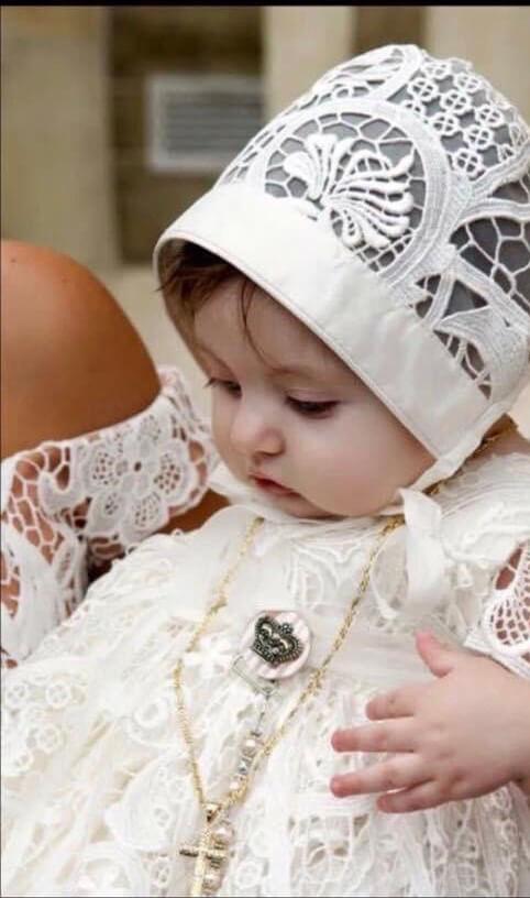 Amelia Guipure Lace Gown & Bonnet