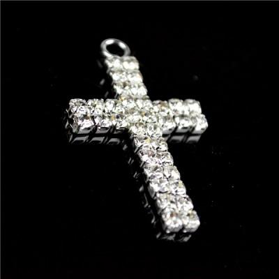 Charm Diamante 4cm Cross