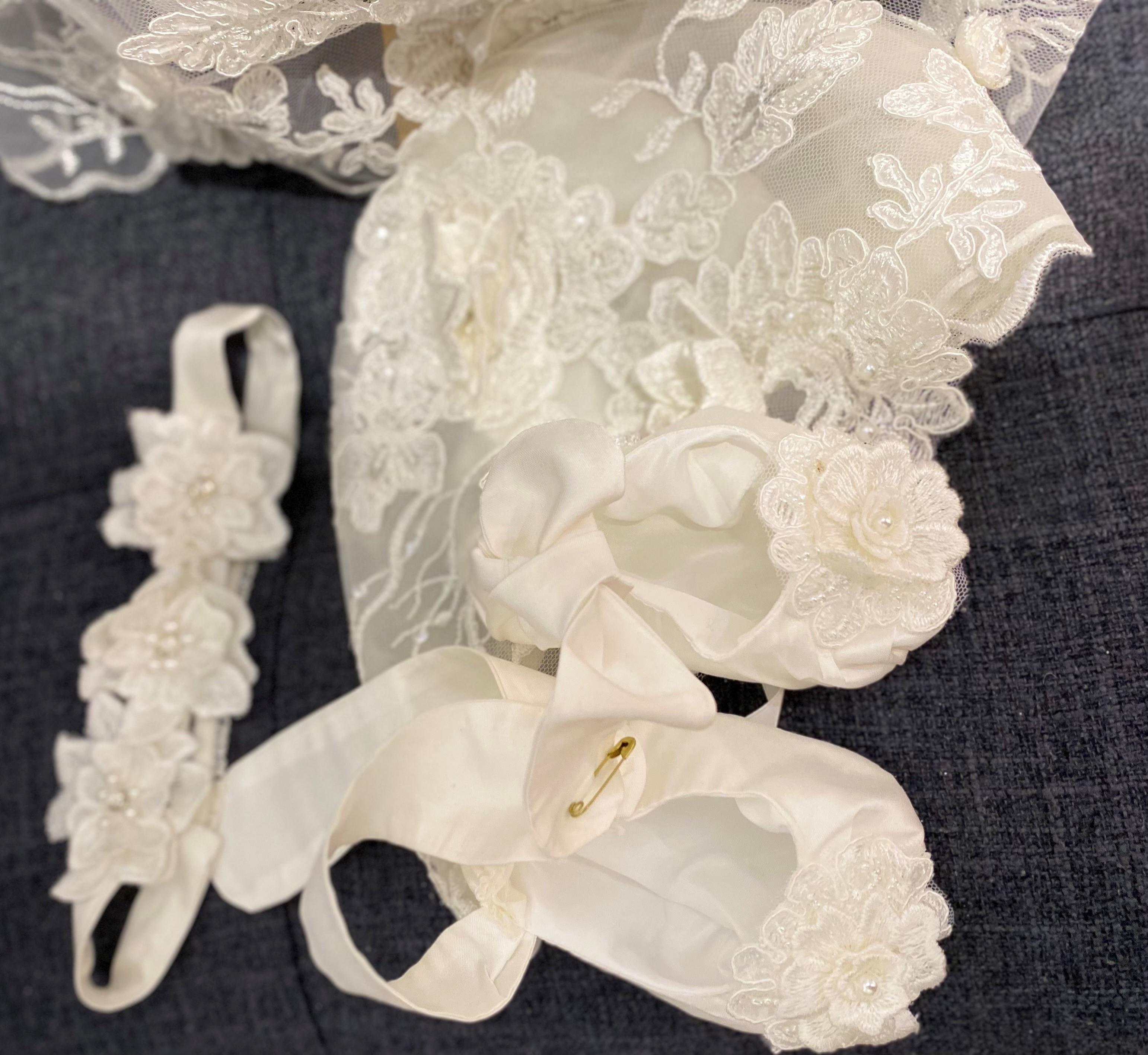 Vintage Antoinette Gown accesaries