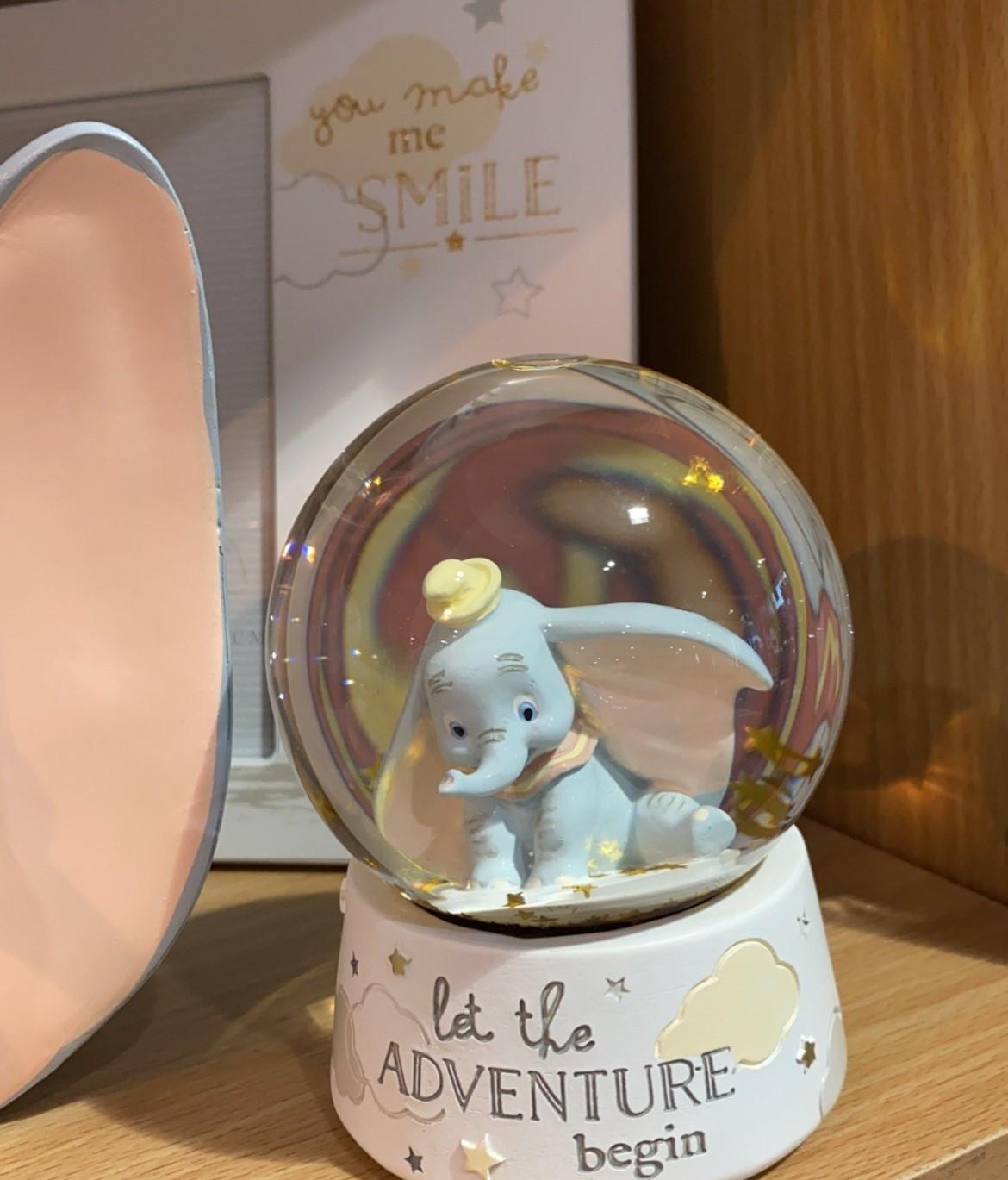 Dumbo Snow Globe